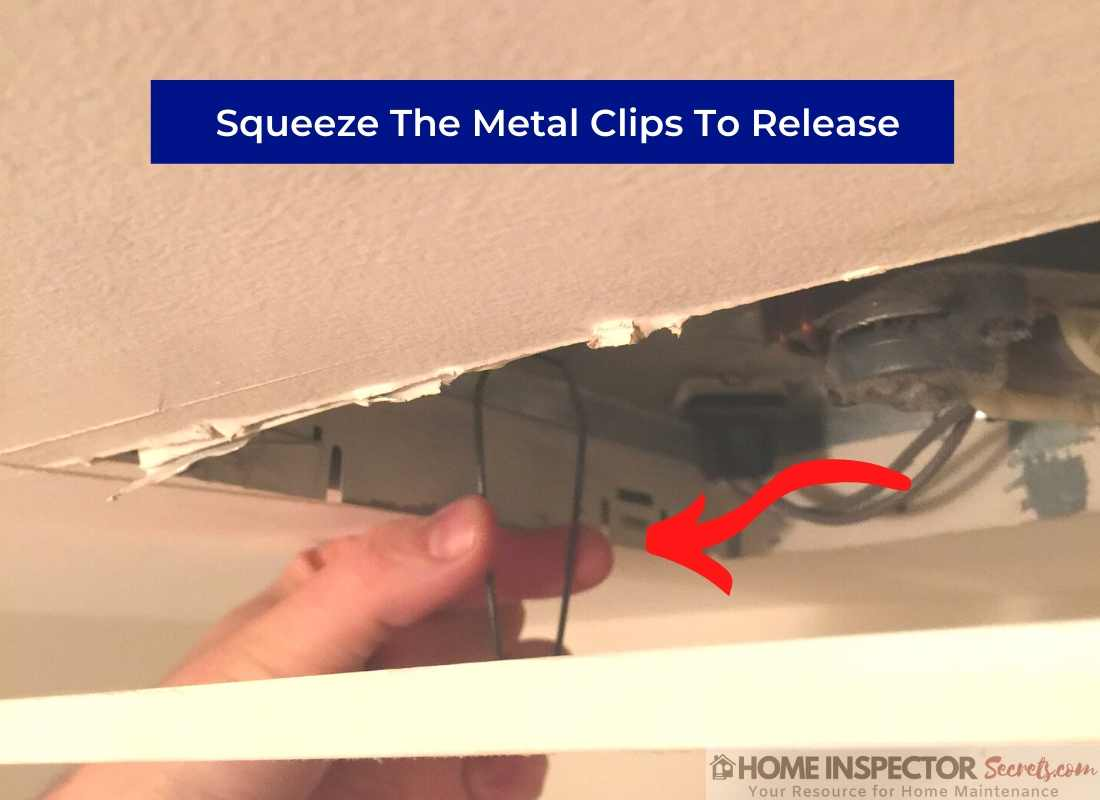 how to oil a bathroom exhaust fan (squeeze clips)